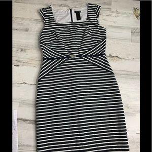 Ann Taylor Sleeveless Dress 6P Navy Striped